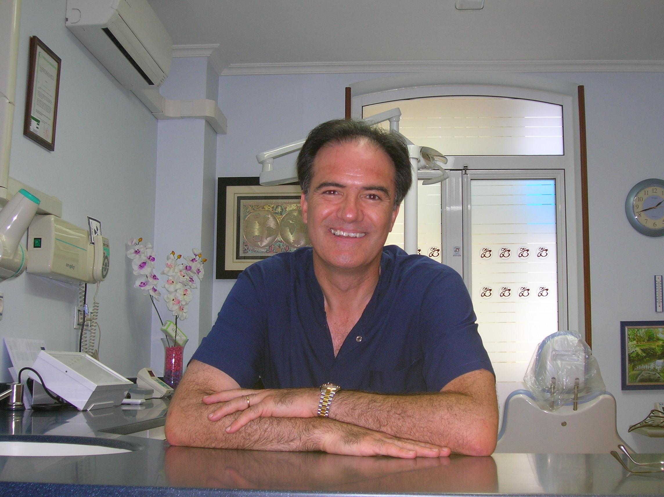 Dr. Juan Balboa, Dentista en Pontevedra